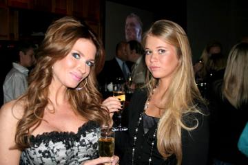 Carolina Gynning och Lidia Bouriak. Foto: kanal5