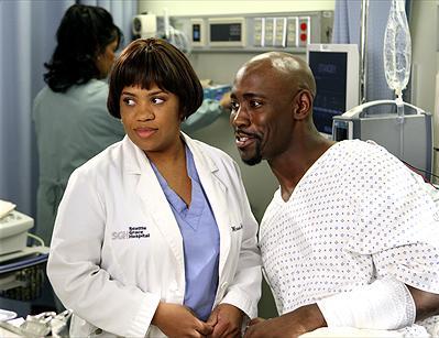 Chandra Wilson som Dr. Miranda Bailey & D.B. Woodside som Marcus Kane. foto disney