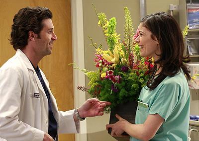 Patrick Dempsey som Dr. Derek Shepherd & Lauren Stamile som syster Rose. Foto Disney